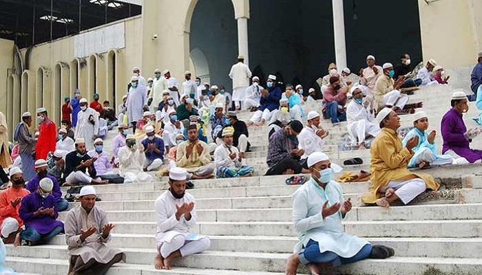 Eid-ul-Azha congregations also at mosques