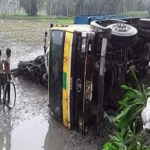 4 workers killed, 5 hurt in Rangpur truck plunge