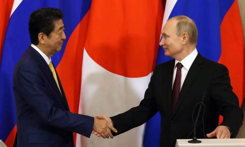 Shinzo Abe y Vladímir Putin, este martes en Moscú. Mikhail Svetlov Getty Images
