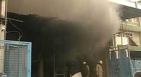 Fire engulfs plastic factory in Delhi