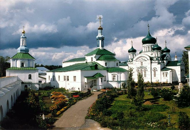 Bus tour to Raif male Virgin Monastery russia kazan tour2