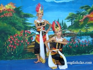 Contoh Text Report-KUKILO Dance (Tari Kukilo)