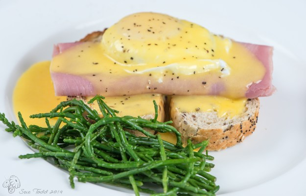 Eggs Benedict and Samphire - the ultimate English Breakfast? © Sue Todd 2014