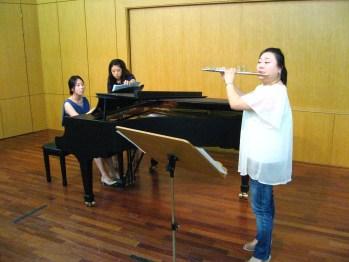 "Flutist Kim Kyoung performs Philippe Gaubert's ""Andante Pastoral et Scherzettino"" with pianist Lee Sang-ri at the German School of Music Weimar."