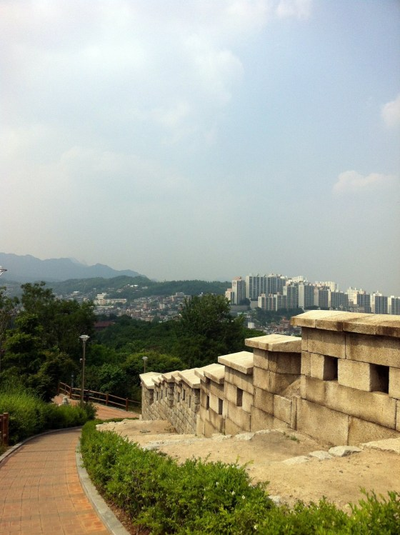 Seong-gwak-gil in Seoul (PHOTO: Lee Su-hyun)