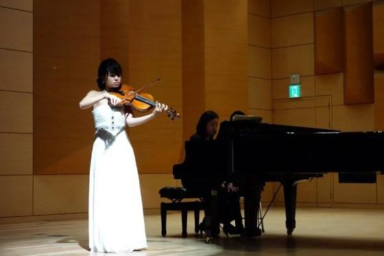 Student Jung Min-sun performs Vieuxtemps's Viola Sonata, Op. 36 at the Kangnam University Department of Music 2013 Graduation Orchestral Concert, Hwang Ye-eun (piano), 14 Nov 2013. (Photo: Charles Ian Chun)