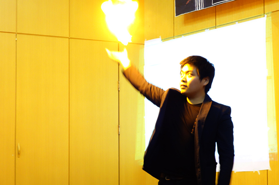 Won Min-jeong (3rd-year, Law), member of student magic club Entrickcian, warms up the crowd.  (Photo: Charles Ian Chun)