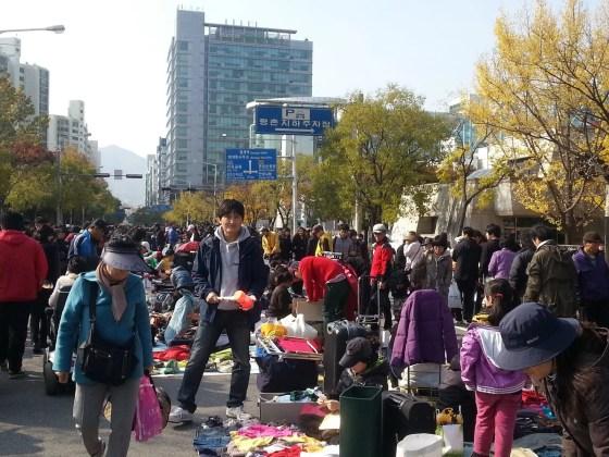 Anyang Flea Market (PHOTO: Lee Su-hyun)