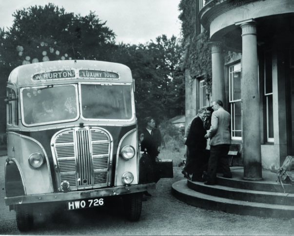 w-burton-bus-at-brathay-300dpi