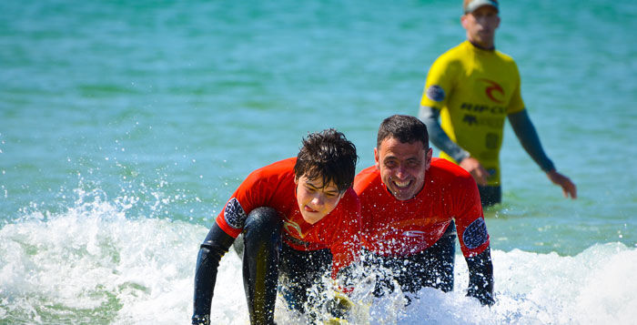 Family Surf Lessosn