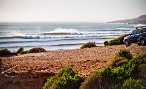 gallery-secret-morocco-waves-4