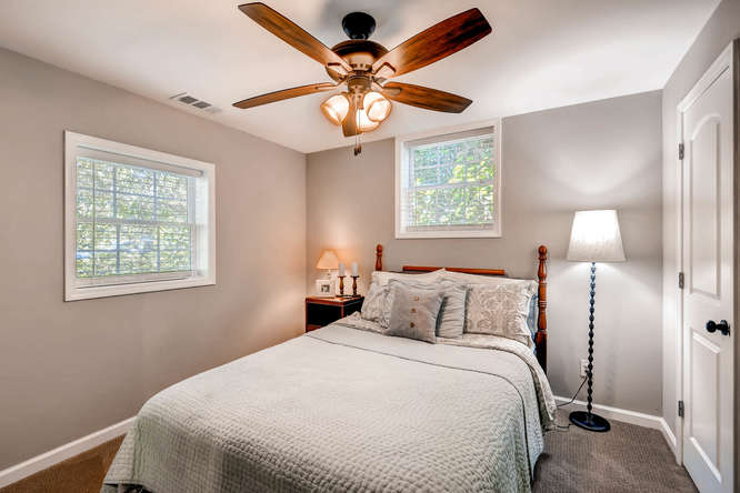 2299-winding-woods-tucker-ga-small-021-18-lower-level-bedroom-666x445-72dpi