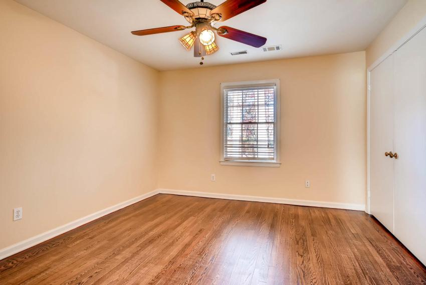 2587-cosmos-court-ne-atlanta-large-033-10-2nd-floor-bedroom-1499x1000-72dpi