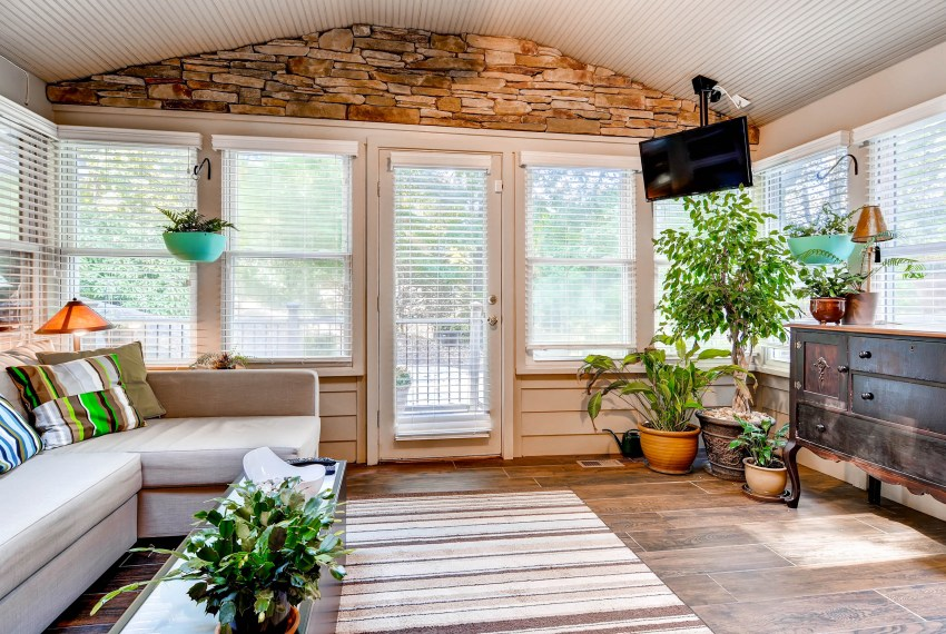 3226-leslie-lane-atlanta-ga-print-031-26-sunroom-2700x1801-300dpi