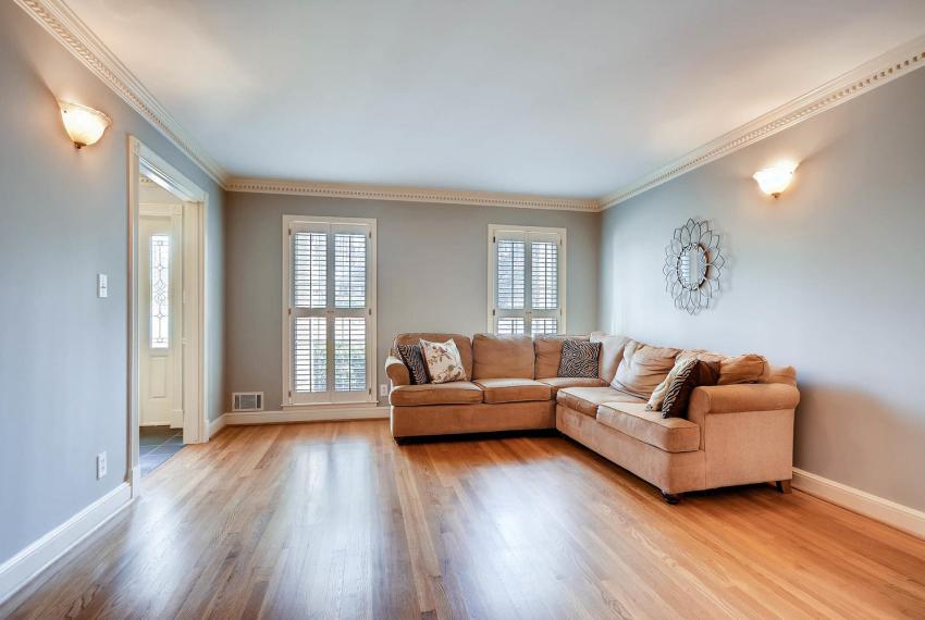 2828 Cravey Dr NE Atlanta GA-large-006-28-Living Room-1499x1000-72dpi