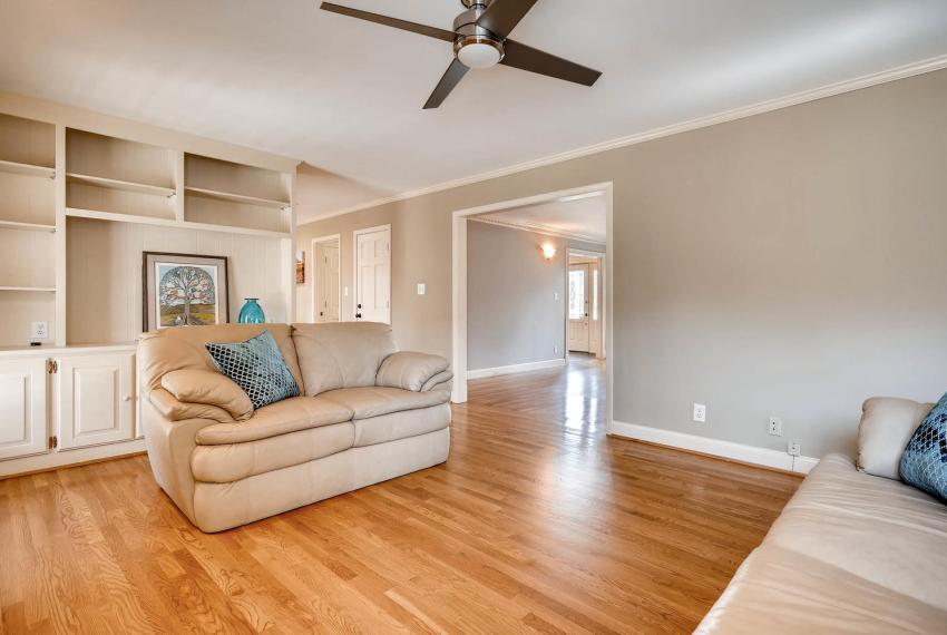 2828 Cravey Dr NE Atlanta GA-large-015-15-Family Room-1499x1000-72dpi