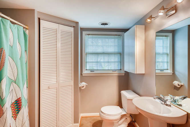 2646 Hawthorne Place NE-small-036-32-Lower Level Bathroom-666x445-72dpi