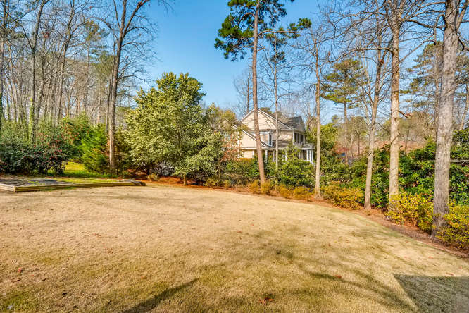 2646 Hawthorne Place NE-small-040-42-Back Yard-666x445-72dpi
