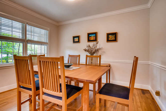 2638 Hawthorne Place NE-small-010-13-Dining Room-666x445-72dpi