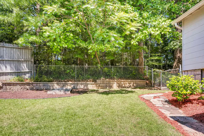 3154 Briarcliff Way NE Atlanta-small-041-33-Back Yard-666x445-72dpi