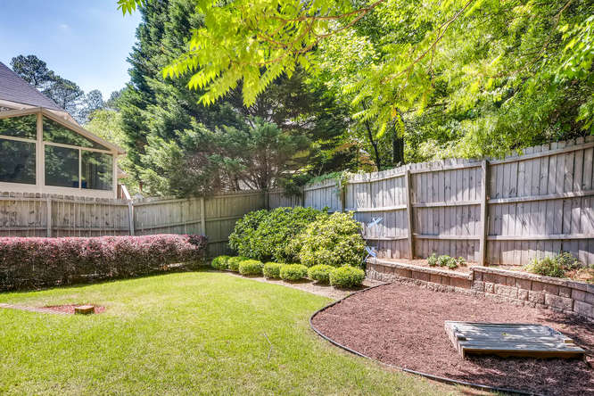 3154 Briarcliff Way NE Atlanta-small-042-32-Back Yard-666x445-72dpi