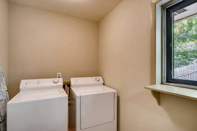 2391 Saint Andrews Court NE-small-032-18-Laundry Room-666x445-72dpi