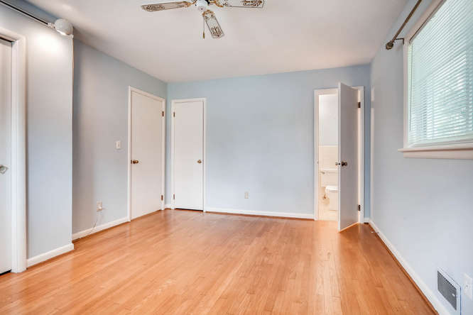 2528 Varner Drive NE Atlanta-small-019-12-Master Bedroom-666x445-72dpi