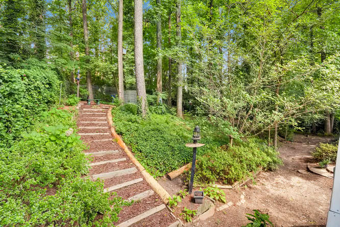 2528 Varner Drive NE Atlanta-small-040-30-Back Yard-666x445-72dpi