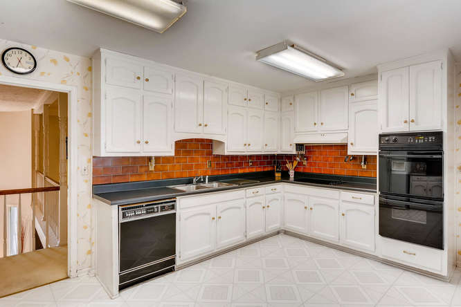 3186 Surgarplum rd Atlanta GA-small-013-21-2nd Floor Kitchen-666x445-72dpi