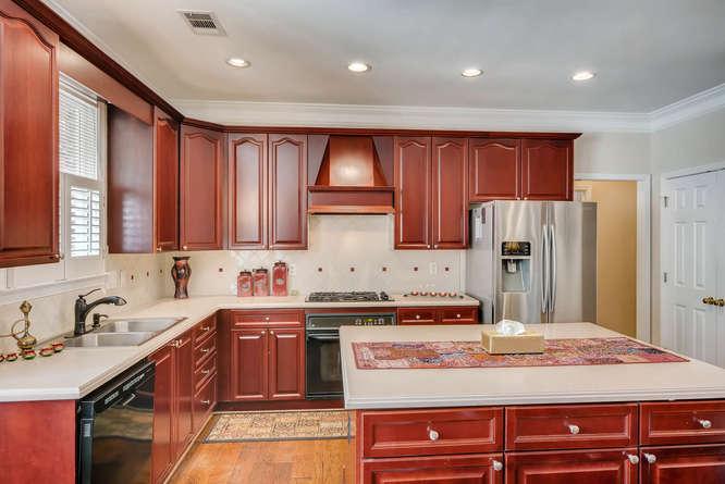 1590 Reserve Circle Decatur GA-small-007-38-Kitchen-666x445-72dpi