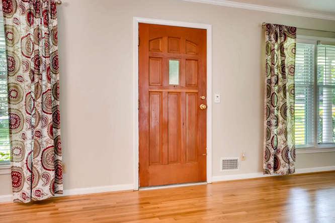 3239 Rehoboth Drive Decatur GA-small-005-9-Foyer-666x445-72dpi