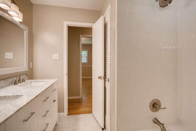 3239 Rehoboth Drive Decatur GA-small-028-16-2nd Floor Bathroom-666x445-72dpi