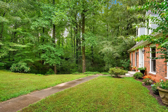 2195 Greencliff Dr NE Atlanta-small-039-43-Front Yard-666x445-72dpi