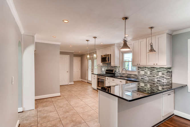 4260 Castle Pines Court Tucker-small-008-13-Kitchen-666x445-72dpi