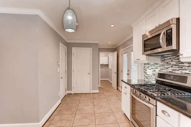 4260 Castle Pines Court Tucker-small-012-5-Kitchen-666x445-72dpi