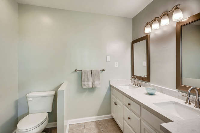 3002 Shenandoah Valley Rd NE-small-018-27-Master Bathroom-666x445-72dpi