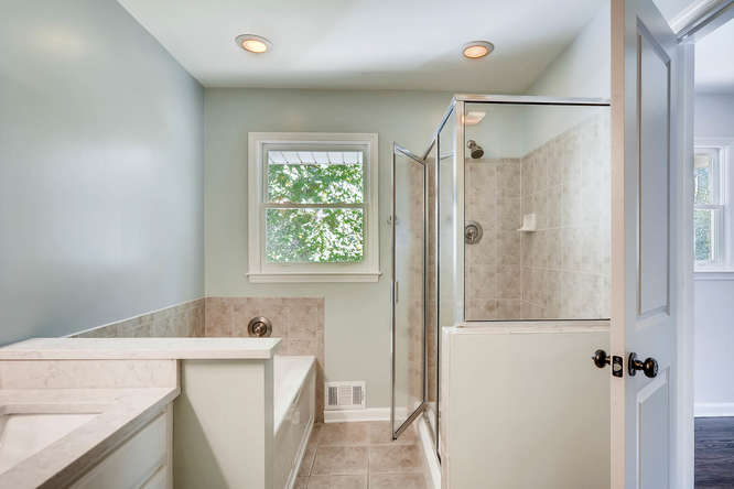 3002 Shenandoah Valley Rd NE-small-019-17-Master Bathroom-666x445-72dpi