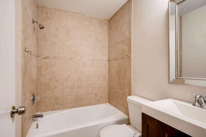 4001 Foxglove Rd Tucker GA-small-030-28-2nd Floor Bathroom-666x445-72dpi