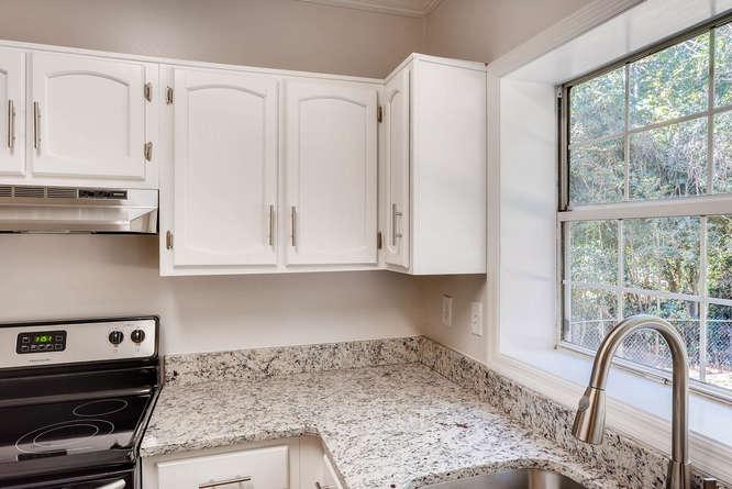 547 Ravinia Way Lawrenceville-small-016-25-Kitchen Detail-666x445-72dpi