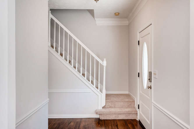 547 Ravinia Way Lawrenceville-small-023-10-Stairway-666x445-72dpi