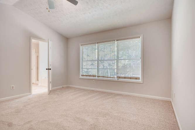 547 Ravinia Way Lawrenceville-small-024-16-2nd Floor Master Bedroom-666x445-72dpi