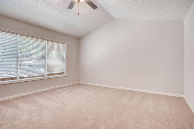 547 Ravinia Way Lawrenceville-small-025-21-2nd Floor Master Bedroom-666x445-72dpi