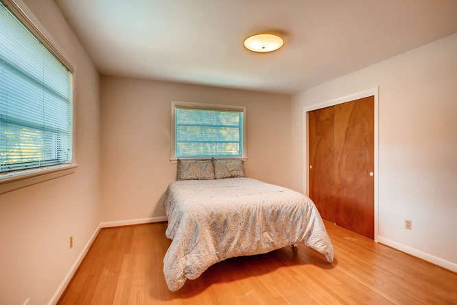 2518 Hazelwood Dr NE Atlanta-small-021-16-Master Bedroom-666x445-72dpi