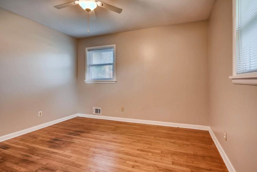 3048 Hudson Ct Decatur GA-large-018-21-Master Bedroom-1500x1000-72dpi