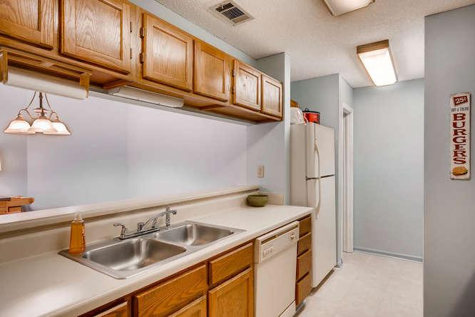 1019 North Jamestown Decatur-small-013-17-Kitchen-666x445-72dpi