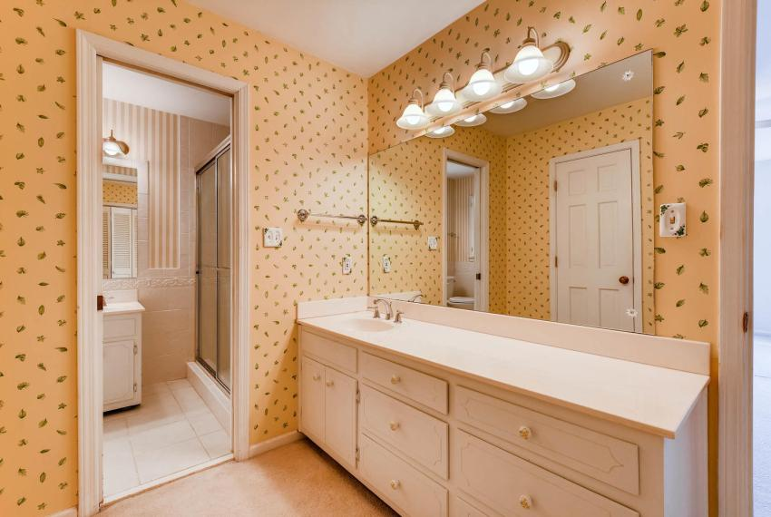 2556 midvale Forest Drive-large-023-29-2nd Floor Master Bathroom-1499x1000-72dpi