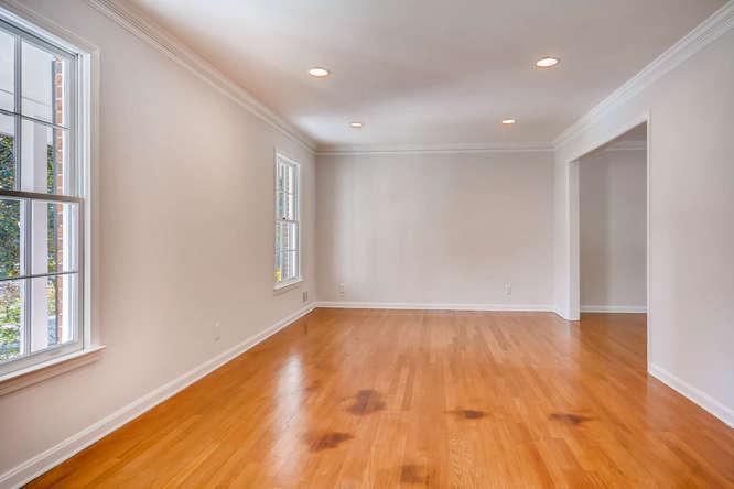 2882 Greenbush Place NE-small-007-6-Living Room-666x445-72dpi