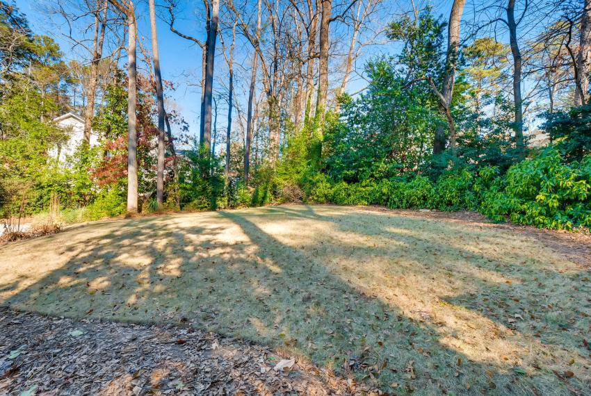 2103 Continental Drive Atlanta-large-043-41-Back Yard-1499x1000-72dpi