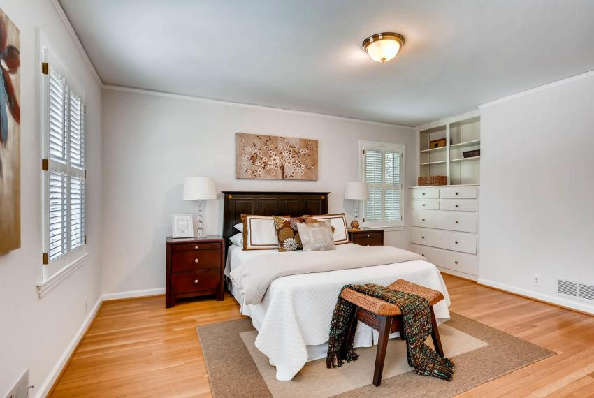 2103 Continental Drive NE-large-019-43-Master Bedroom-1499x1000-72dpi