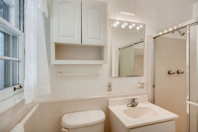 2125 Briarwillow Drive Atlanta-small-024-1-Master Bathroom-666x445-72dpi